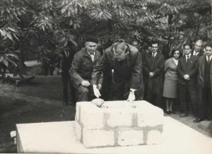 Budowa pomnika Emila Zegadłowicza