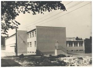 szkoła pomnik 1000 lecia w Izdebniku 1964